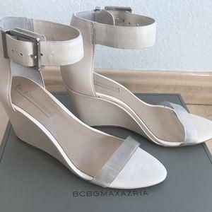 BCBG MaxAzria Latch Natural Wedge Sandals 7.5